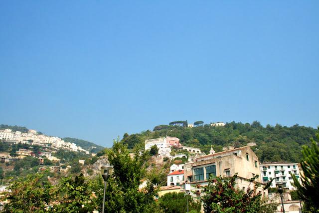 case, collina, alberi, vegetazione, cielo