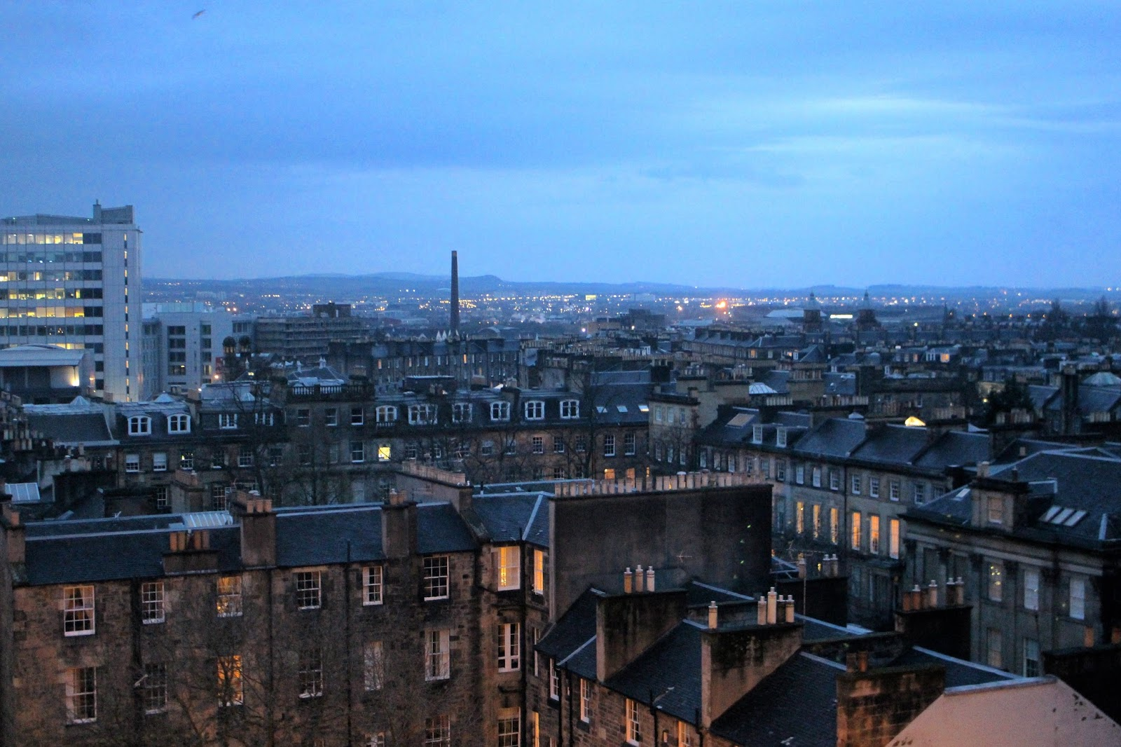 edinburgh cityscape travel photography