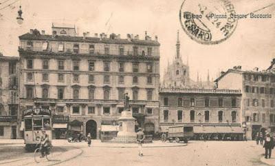 statua beccaria piazza grandi tram