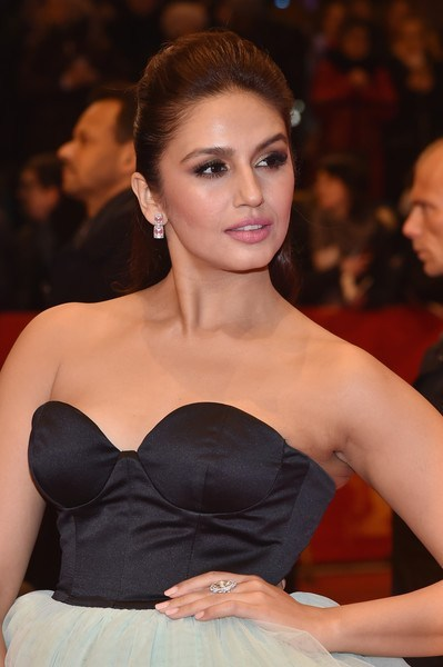 Huma Qureshi Measurements, Height, Weight, Bra Size, Age