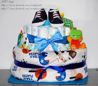 Торта от памперси и бебешки аксесоари