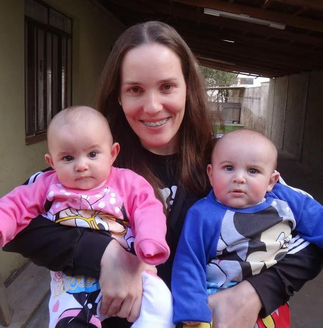 Mamãe de gêmeos, Rosi Garrett conta sua história