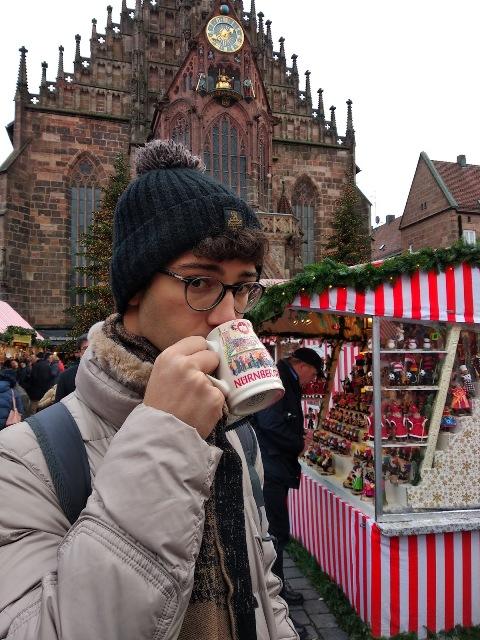 vino brulè mercatino di natale a Norimberga