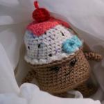 https://furlscrochet.com/blogs/amigurumi-crochet-tutorials/august-amigurumi-sweet-treats-cal-part-2-cupcake-pattern