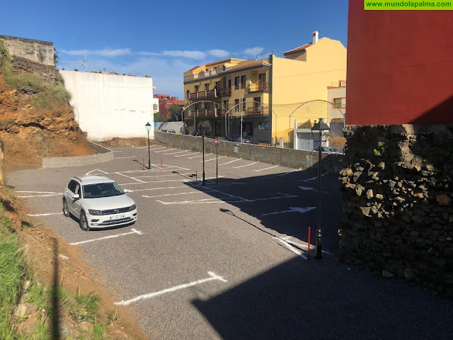 Breña Alta pone en marcha 30 nuevas plazas de estacionamiento gratuito que, sin duda, vendrán a facilitar las compras navideñas de estos días