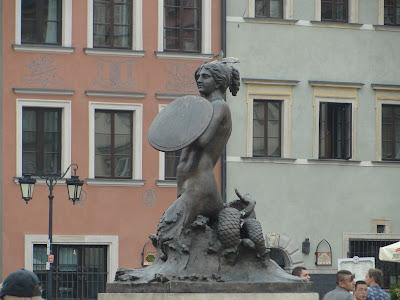 Simbolo de Varsovia en la Plaza del Mercado