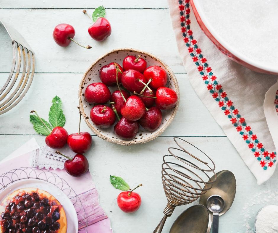 Τα φρούτα και λαχανικά του Μαΐου και μαζί ένας εύχρηστος δωρεάν εκτυπώσιμος οδηγός για να τον κολλήσεις στο ψυγείο σου - Edit Your Life Magazine