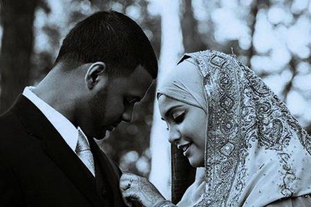Bolehkah Nama Suami Disematkan Di Belakang Nama Istri?