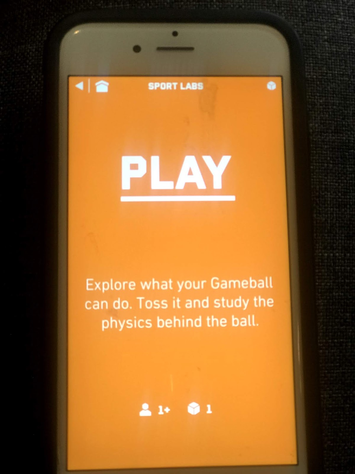 """Screen of the app that says """"play"""" with the directions for a game."""