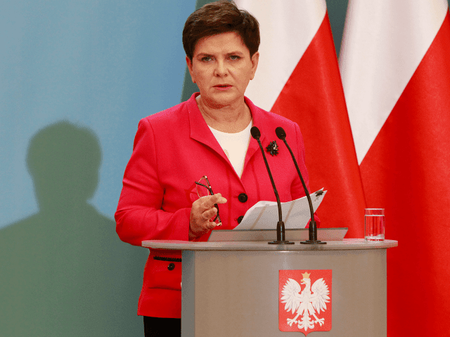 Lenkijos premjerė Šydlo: neįmanoma nesusieti terorizmo su migracijos politika