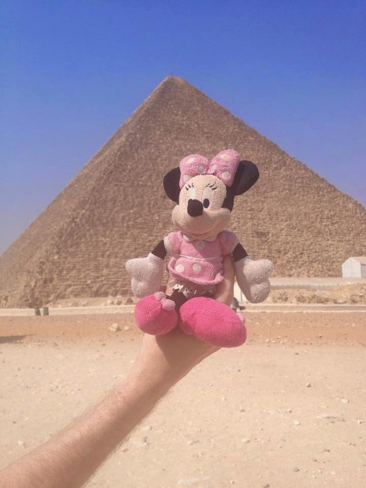 Minnie nas Piramides em nome da Francisca