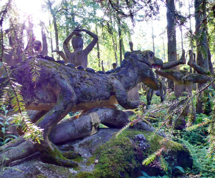 The Troll Dens: creepy forest