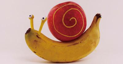 Ketika Buah-buahan Menjadi Bahan Kreatif Seorang Seniman Terlihat Lucu dan Keren!