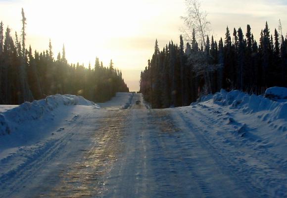Estrada-de-gelo-no-Canada
