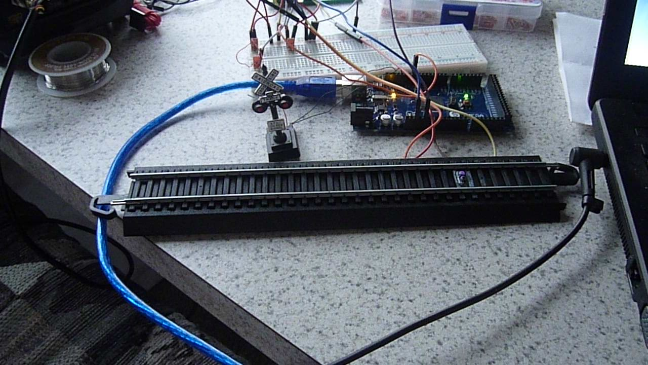 Arduino Your Home Environment Model Railroad Crossing Lights Led Flashers Circuits And Projects 24 For The Charleston Area Club We Have Combined Our Train Detector Circuit From Scale Speedometer Project With A Light To