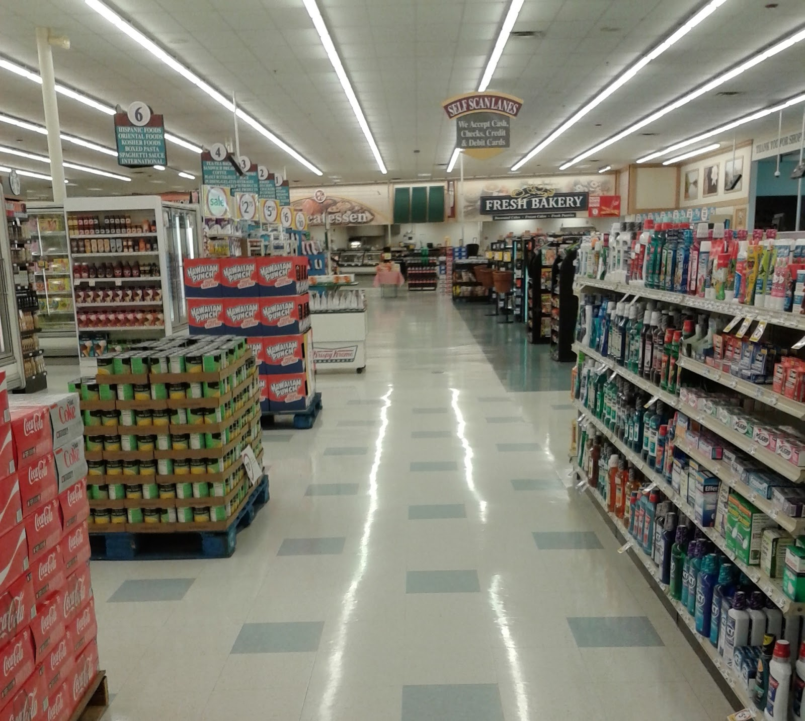albertsons florida blog the rarest winn dixie interior looking back across the front end from the pharmacy as is typical many grocery stores these days the health and beauty products are located in a few