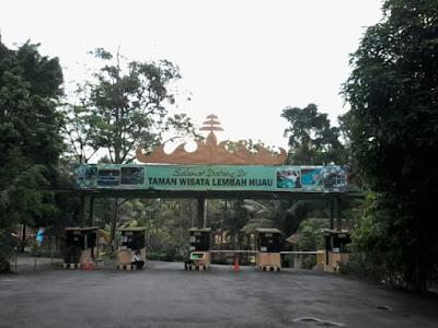 Kebun Binatang dan  Cottage Lembah Hijau