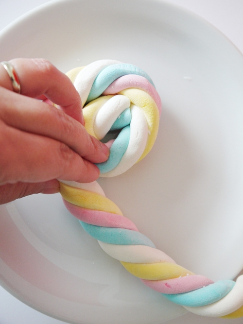 DIY Marshmallow Lollipops & Free Easter Tags - BirdsParty.com