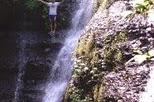 Keindahan alam air terjun tingkat tiga di Batealit
