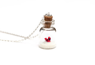 https://www.etsy.com/uk/listing/472632132/red-cardinal-necklace-christmas-novelty?ref=shop_home_active_1