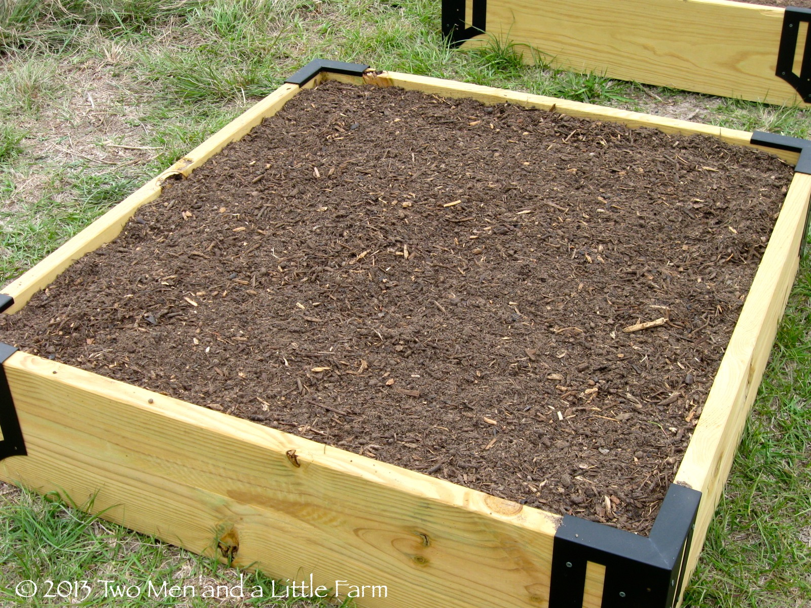 How To Mix Soil For Raised Garden Beds