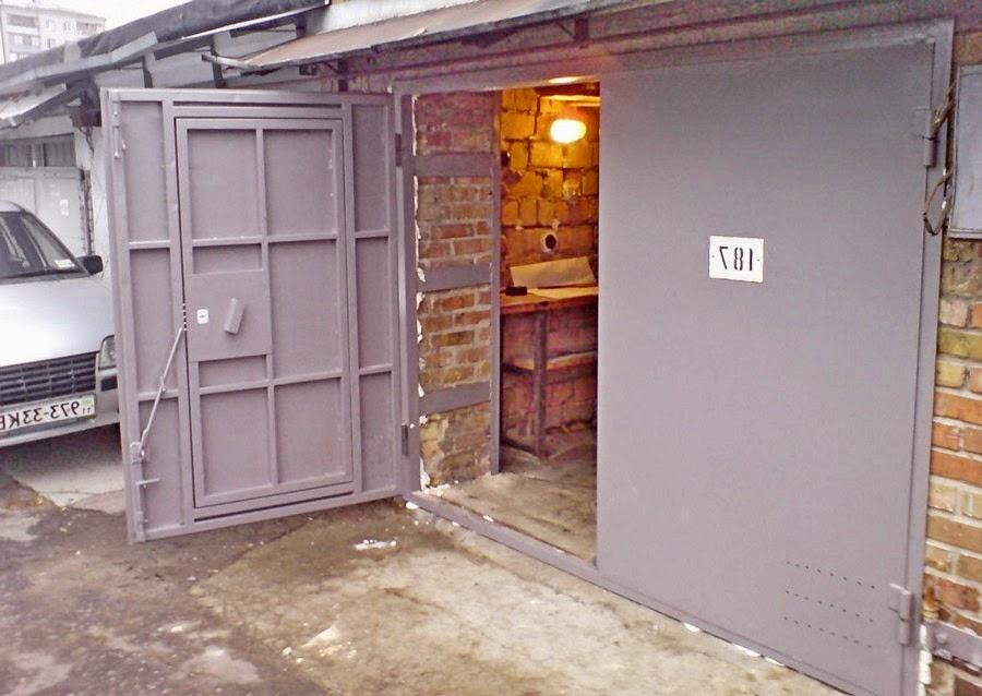 Распашные металлические гаражные ворота