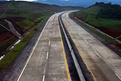 Pemprop Jabar Targetkan Pembangunan Tol Bocimi Rampung 2019