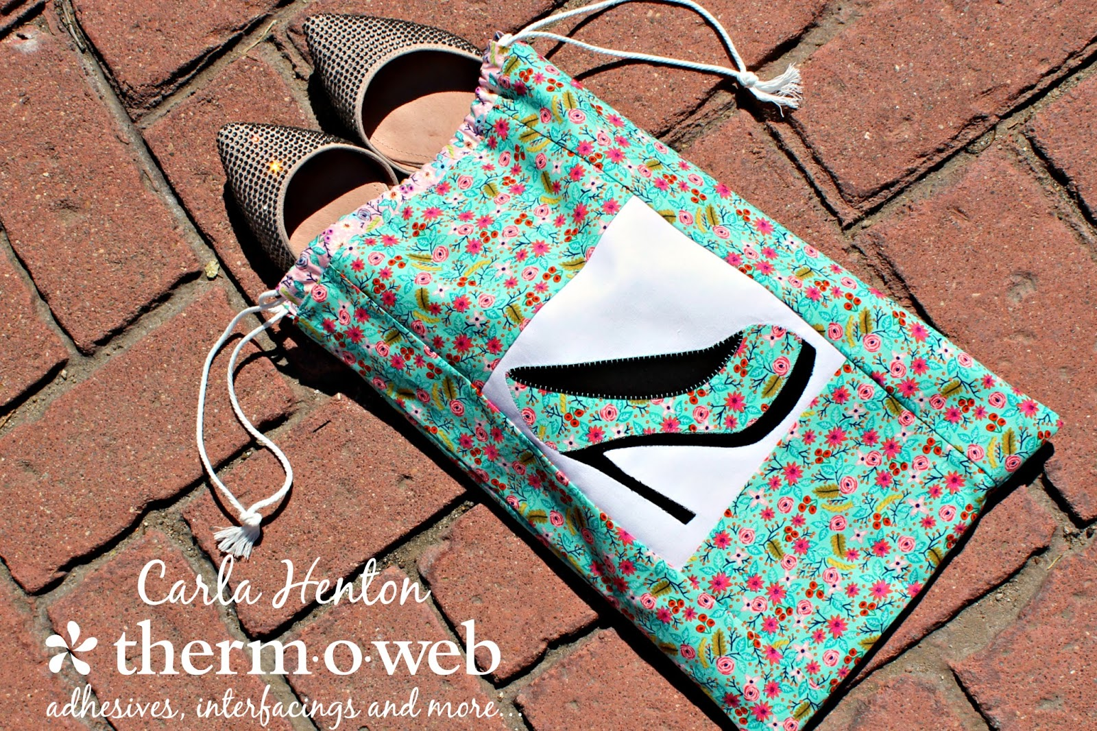 Creatin in the sticks travel shoe bag tutorial