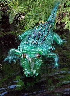 reciclando botellas de plástico