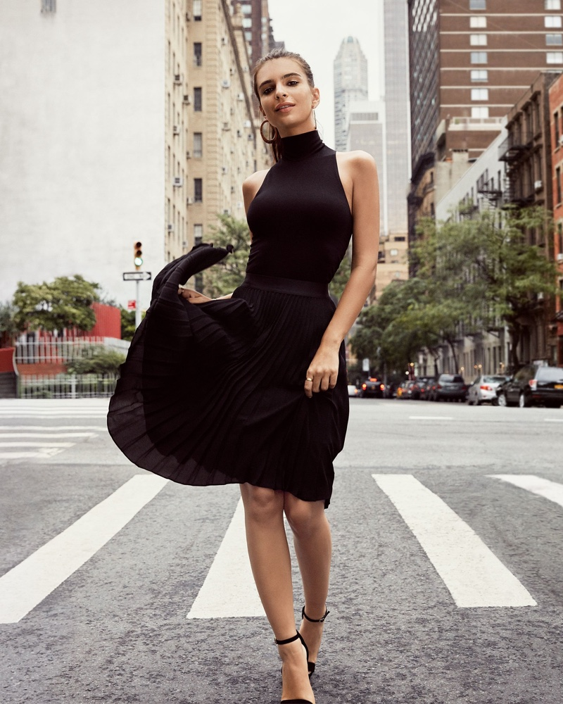 Emily Ratajkowski explores New York streets for Express