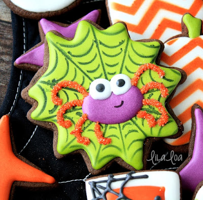 How to make decorated sugar cookies that look like spiders and spiderwebs for Halloween -- tutorial