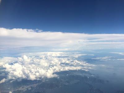 イメージ画像:青空