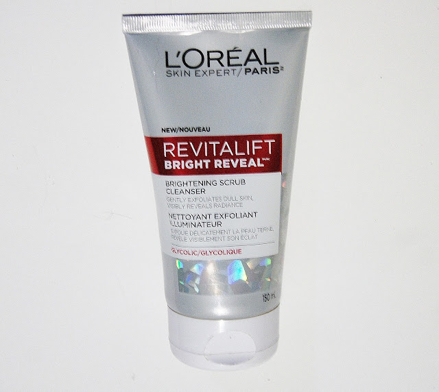 L'Oreal RevitaLift Bright Reveal Brightening Scrub Cleanser, Peel Pads, Overnight Moisturizer, Daily Lotion, Review, Beauty, Skincare, Toronto, Ontario, The Purple Scarf, Melanie.Ps