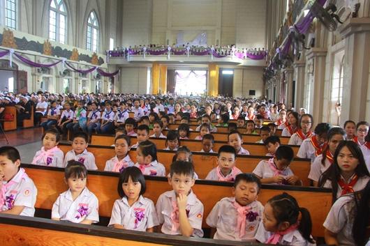 Ngày thứ Ba: Kính viếng và cầu nguyện cho Đức cha Phanxicô Xaviê Nguyễn Văn Sang - Ảnh minh hoạ 50