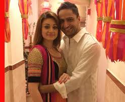 Parag Tyagi Family Wife Son Daughter Father Mother Age Height Biography Profile Wedding Photos