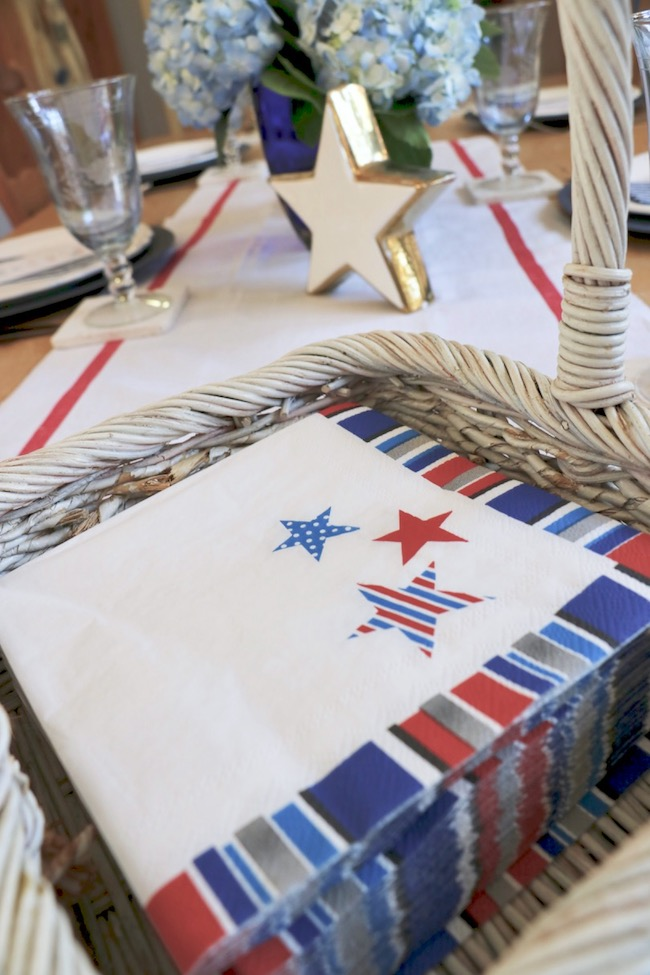 set a stars and stripes patriotic table with inexpensive paper holiday napkins