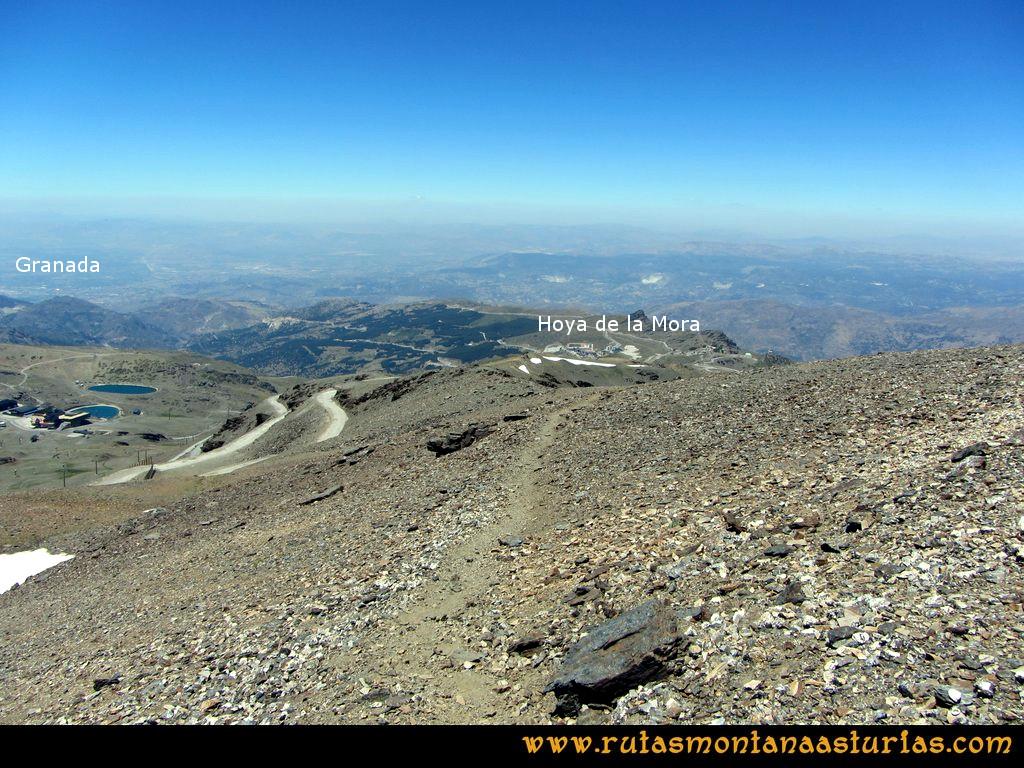 Ruta Hoya de la Mora - Veleta: Bajando de la cima del Veleta a Hoya de la Mora