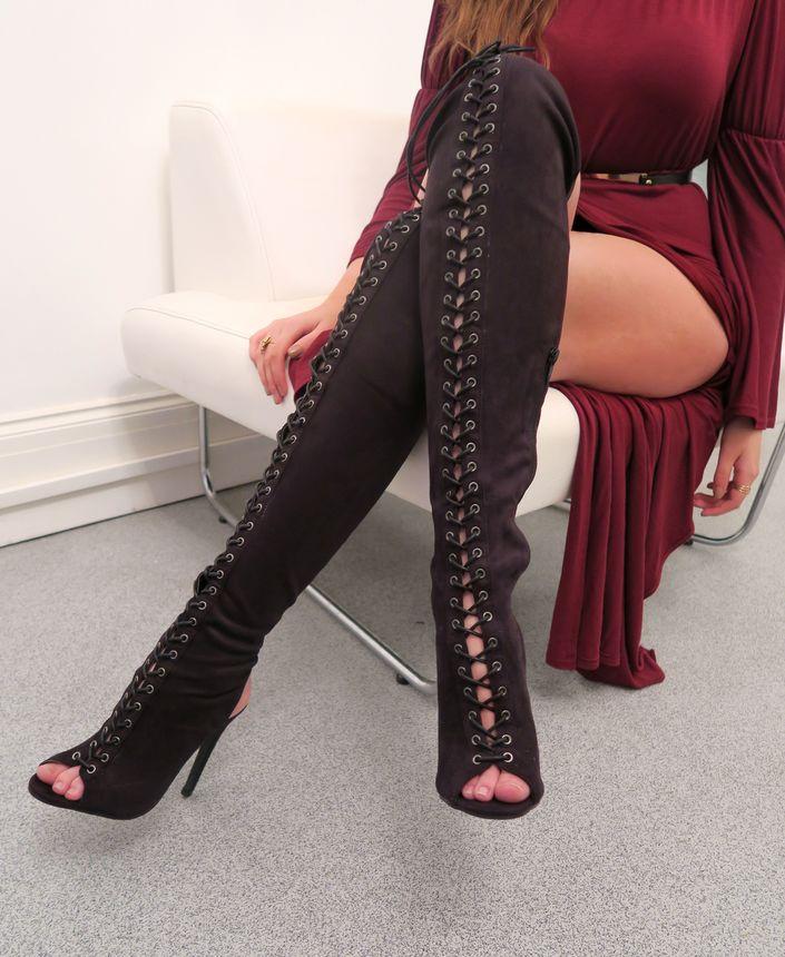 knee-high-lace-up-boots @ hayleyeszti