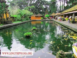 Pura Tirta Empul Gianyar Bali