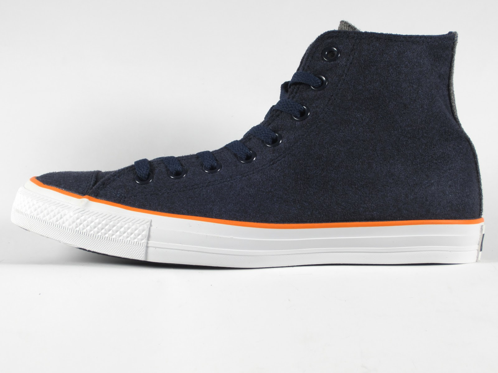 b0fbba5e6bc7 Converse Chuck Taylor All Star Ox Menswear Winter Weight Material.