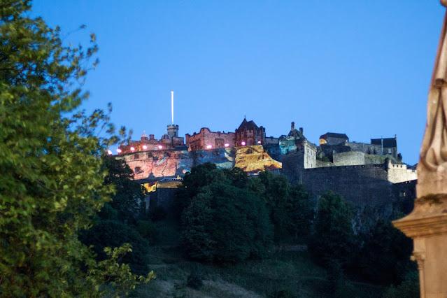 Castello di Edimburgo di sera