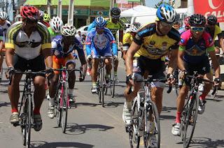 http://www.vnoticia.com.br/noticia/1830-com-350-inscritos-73-prova-ciclistica-de-sao-salvador-bate-recorde-de-participantes