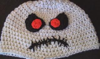 http://translate.google.es/translate?hl=es&sl=en&tl=es&u=http%3A%2F%2Fwww.crochetgeek.com%2F2012%2F10%2Fcrochet-zombie-skeletor-hat.html