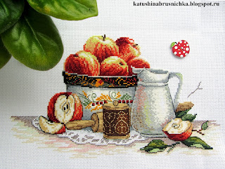 вышивка яблоки