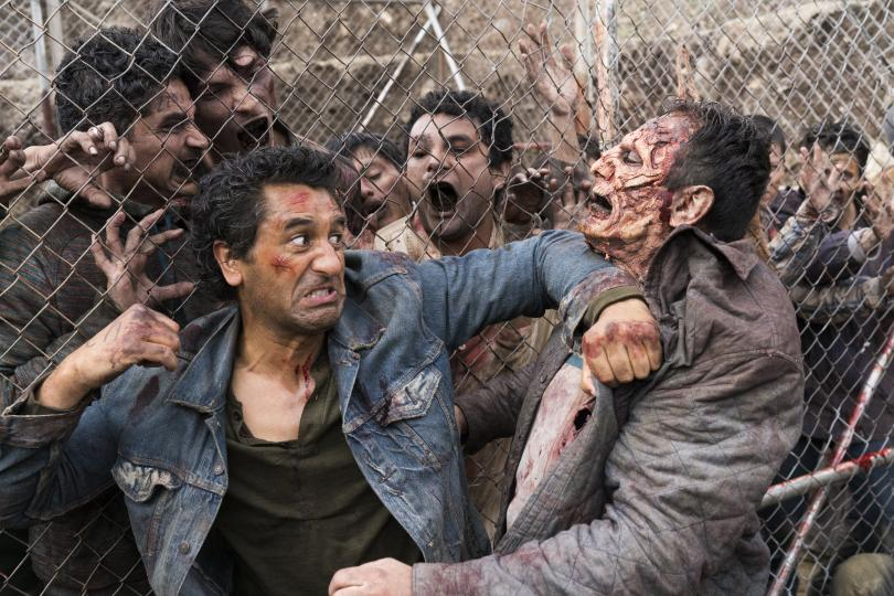 Travis durante el episodio 1 de la tercera temporada de Fear The Walking Dead