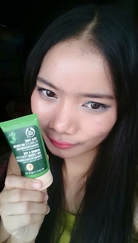 Review The Body Shop Tea Tree Flawless BB Cream - #01 Light