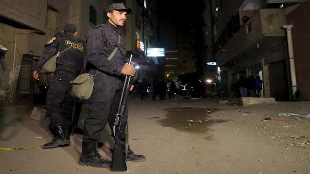 بالصور انتحاري حاول سرقة بنك في مصر