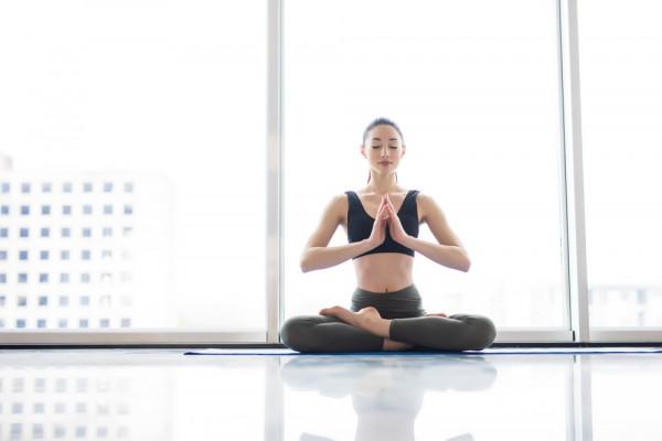 Yoga- giúp làn da trắng hồng,sáng mịn trông thấy