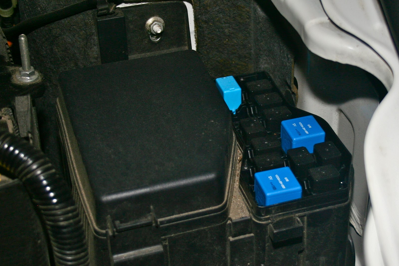small resolution of 2007 mazda cx 9 fuse box location