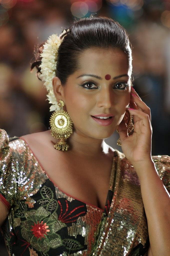 Meghna Naidu Nude Photos 6
